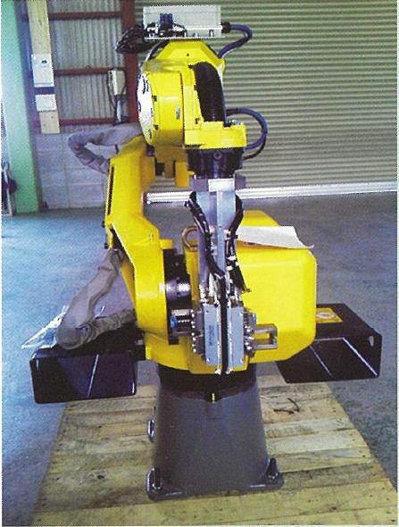 垂直多関節ロボット移載機